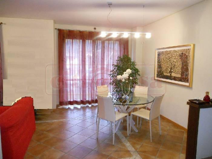 Villa in vendita a Casalborgone, 7 locali, prezzo € 260.000 | CambioCasa.it
