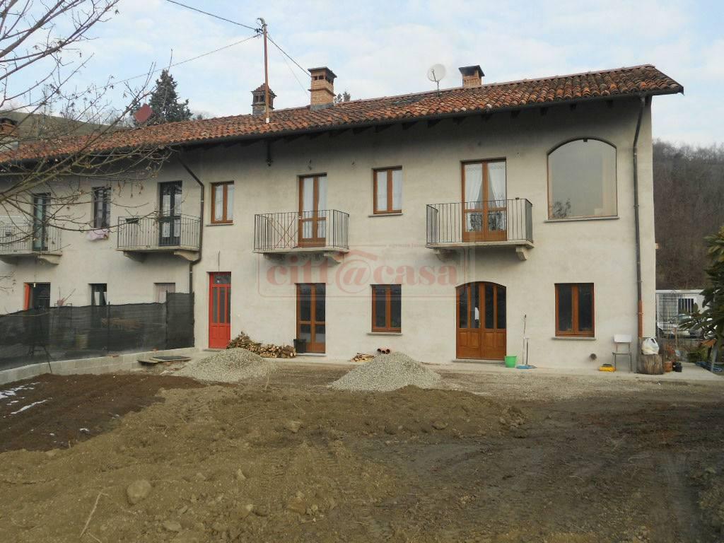 Soluzione Indipendente in vendita a Casalborgone, 8 locali, prezzo € 150.000 | CambioCasa.it