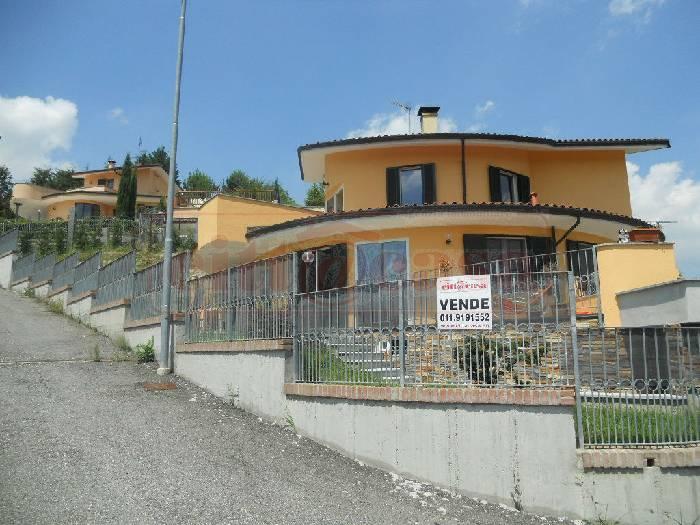 Villa in vendita a San Sebastiano da Po, 8 locali, prezzo € 310.000 | CambioCasa.it