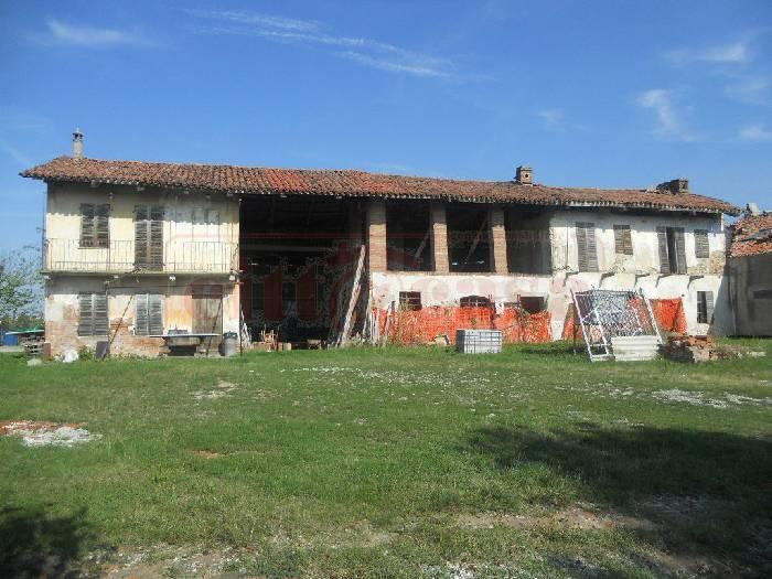 Rustico / Casale in vendita a Verrua Savoia, 8 locali, prezzo € 70.000 | CambioCasa.it