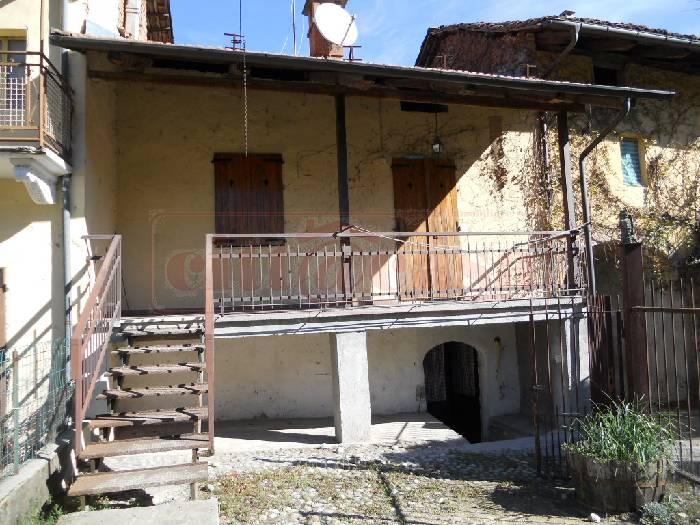 Soluzione Semindipendente in vendita a Monteu da Po, 4 locali, prezzo € 49.000 | CambioCasa.it