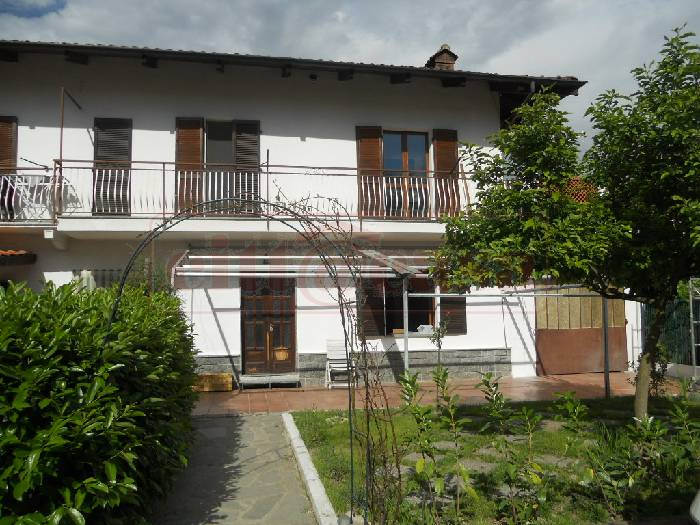 Soluzione Indipendente in affitto a Verrua Savoia, 4 locali, prezzo € 430 | CambioCasa.it