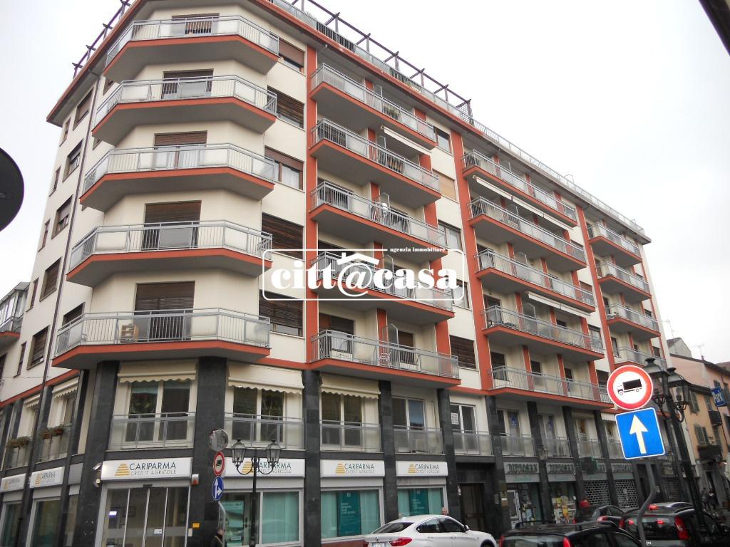 Appartamento da ristrutturare in affitto Rif. 9021014