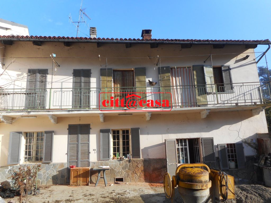 Rustico / Casale in vendita a Cavagnolo, 6 locali, prezzo € 82.000 | CambioCasa.it