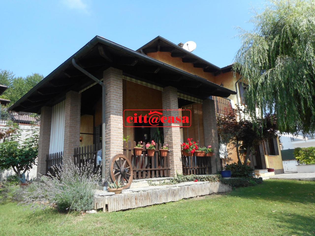Villa in vendita a San Sebastiano da Po, 9 locali, prezzo € 180.000 | CambioCasa.it