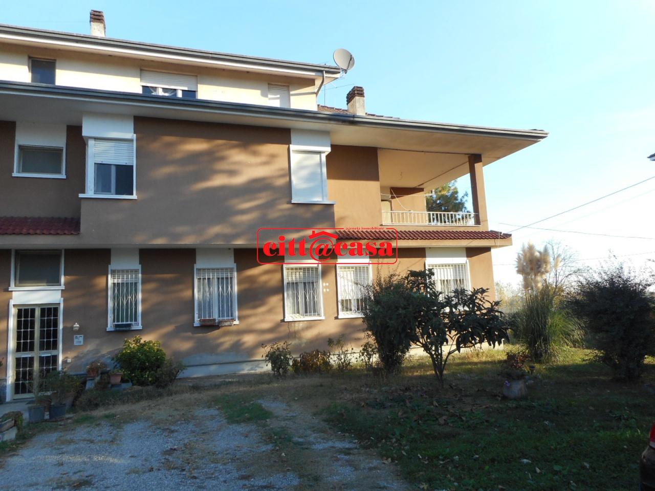 Appartamento in affitto a Monteu da Po, 5 locali, prezzo € 350 | CambioCasa.it