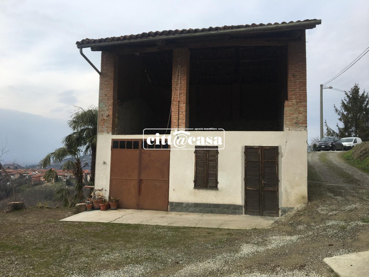 Rustico / Casale in Vendita a Lauriano
