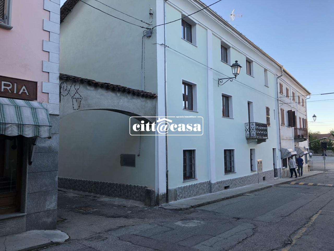 Appartamento in affitto a Lauriano, 4 locali, prezzo € 300 | CambioCasa.it