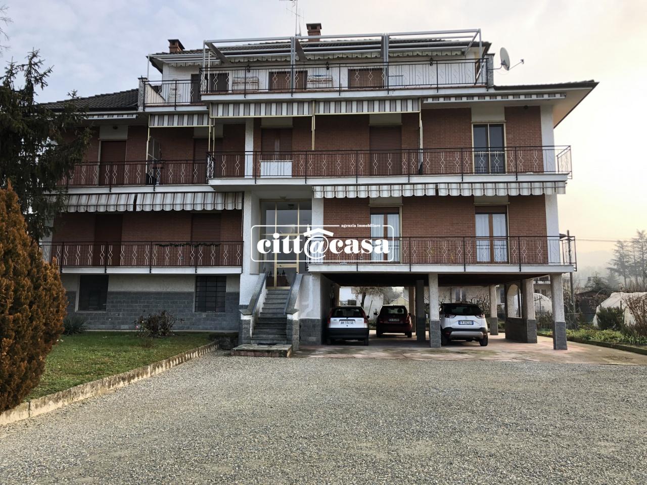 Appartamento in buone condizioni in vendita Rif. 8980606