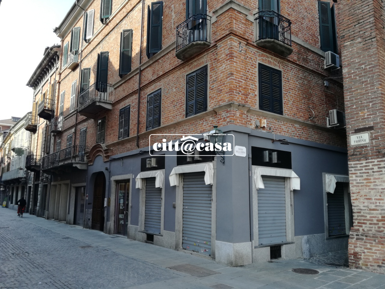 Ufficio / Studio in affitto a Chivasso, 3 locali, prezzo € 800 | CambioCasa.it
