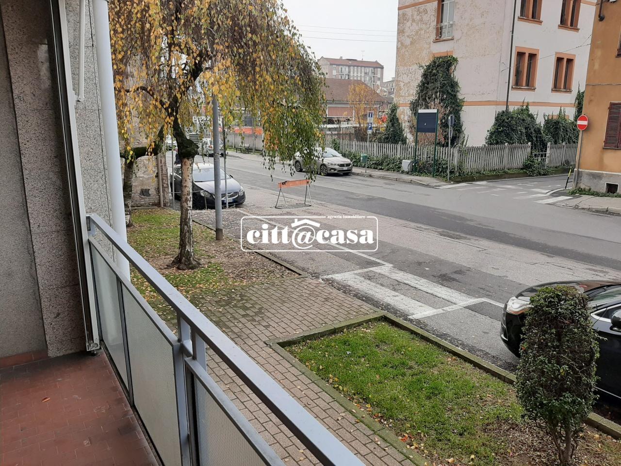 Appartamento da ristrutturare in vendita Rif. 11656386