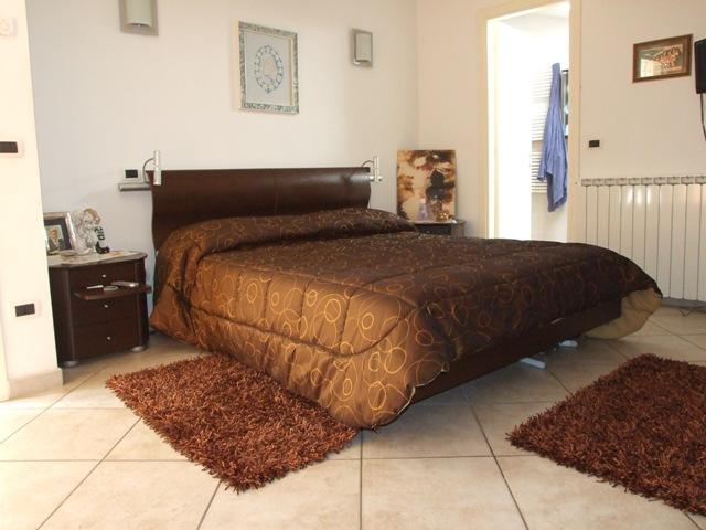 Appartamento in vendita a Massa, 4 locali, zona Località: MARINA DI MASSA, prezzo € 298.000   Cambio Casa.it