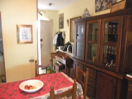 Soluzione Indipendente in vendita a Massa, 5 locali, zona Località: MARINA DI MASSA, prezzo € 300.000 | Cambio Casa.it