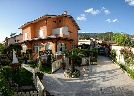 Villa in vendita a Montignoso, 18 locali, zona Località: CERVAIOLO, Trattative riservate   Cambio Casa.it