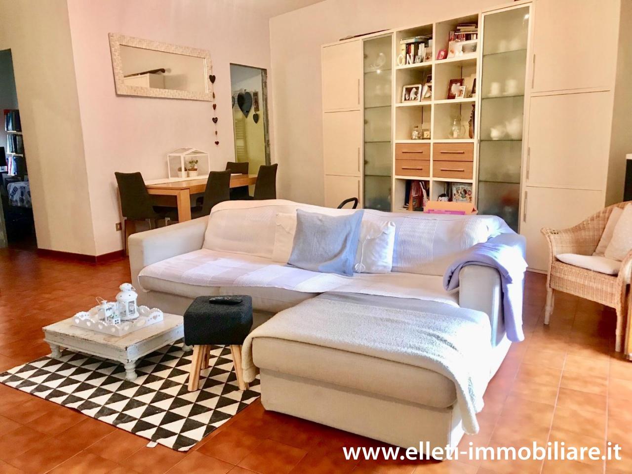Appartamento in buone condizioni in vendita Rif. 11526063