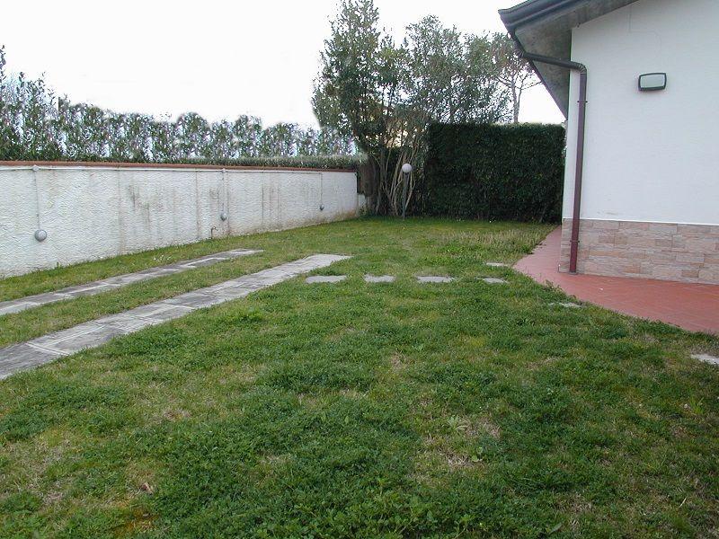 Appartamento in buone condizioni in vendita Rif. 10786165