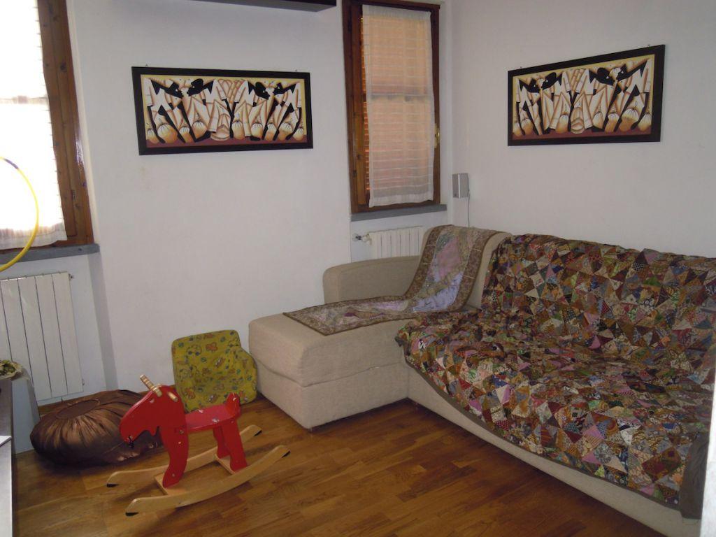 Appartamento in ottime condizioni arredato in vendita Rif. 10786243