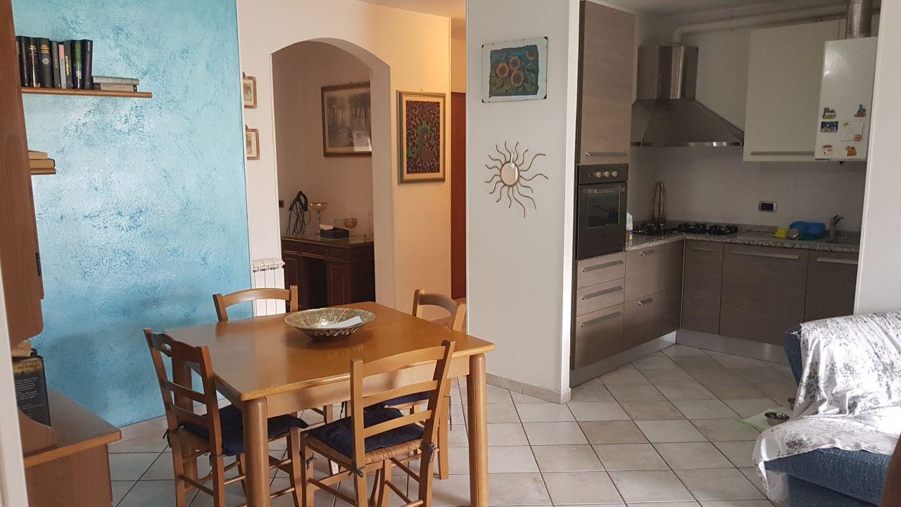 Appartamento in vendita a Massa, 3 locali, prezzo € 220.000   CambioCasa.it
