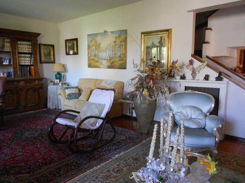Villa singola PRATO V 521
