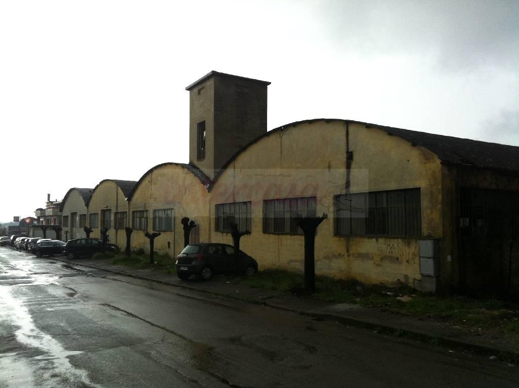 Magazzino - capannone in discrete condizioni in vendita Rif. 4768021