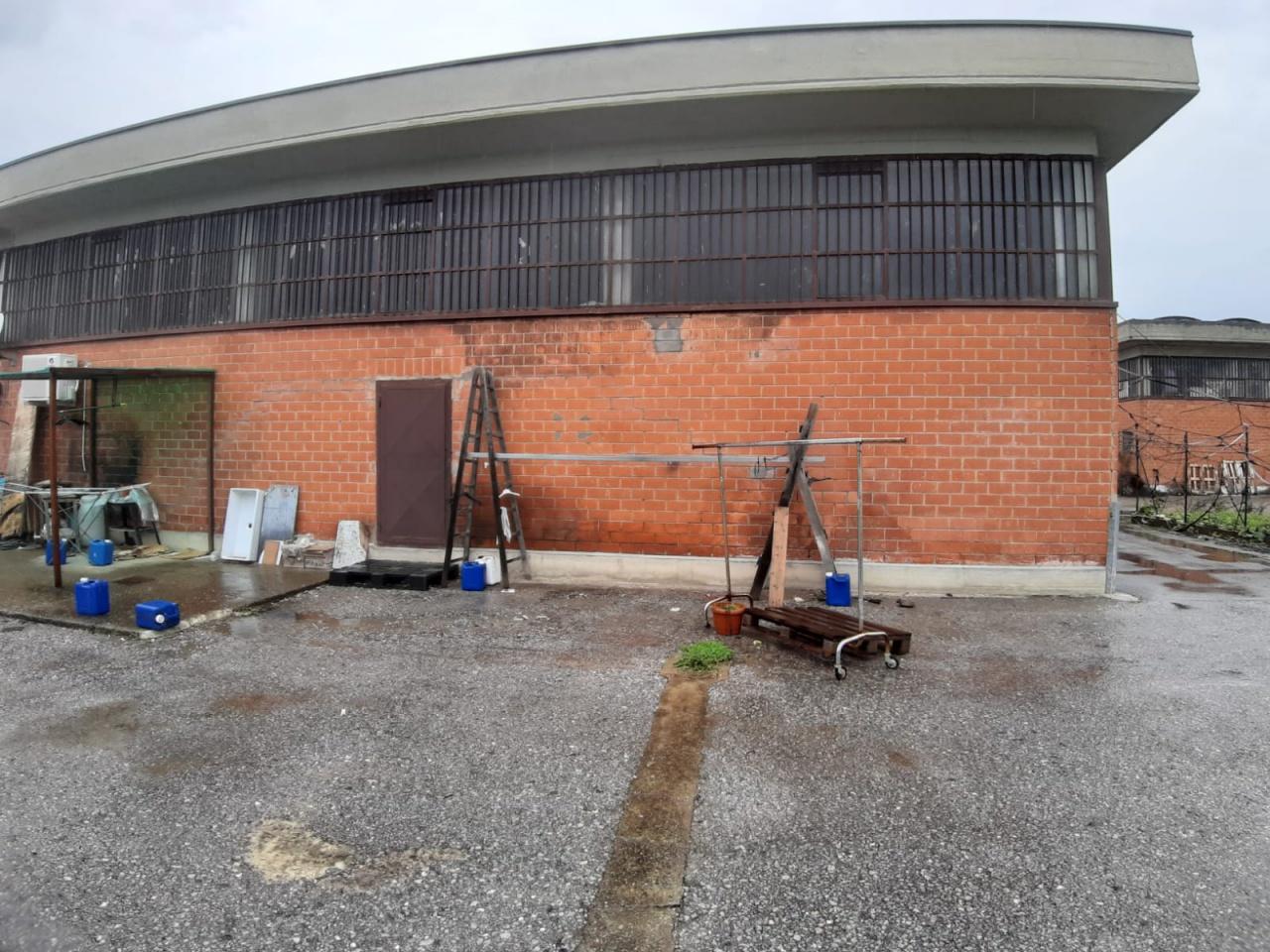 Magazzino - capannone in buone condizioni in affitto Rif. 8753542