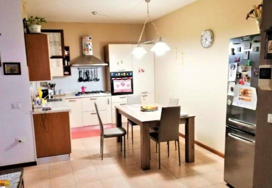 Appartamento in ottime condizioni in vendita Rif. 11423770
