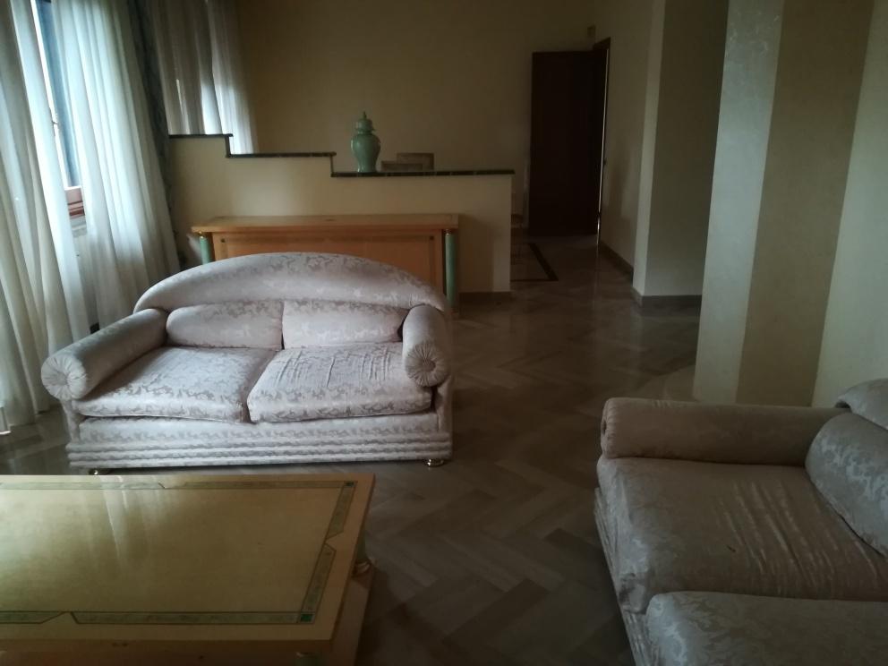 Appartamento in ottime condizioni in vendita Rif. 11430605