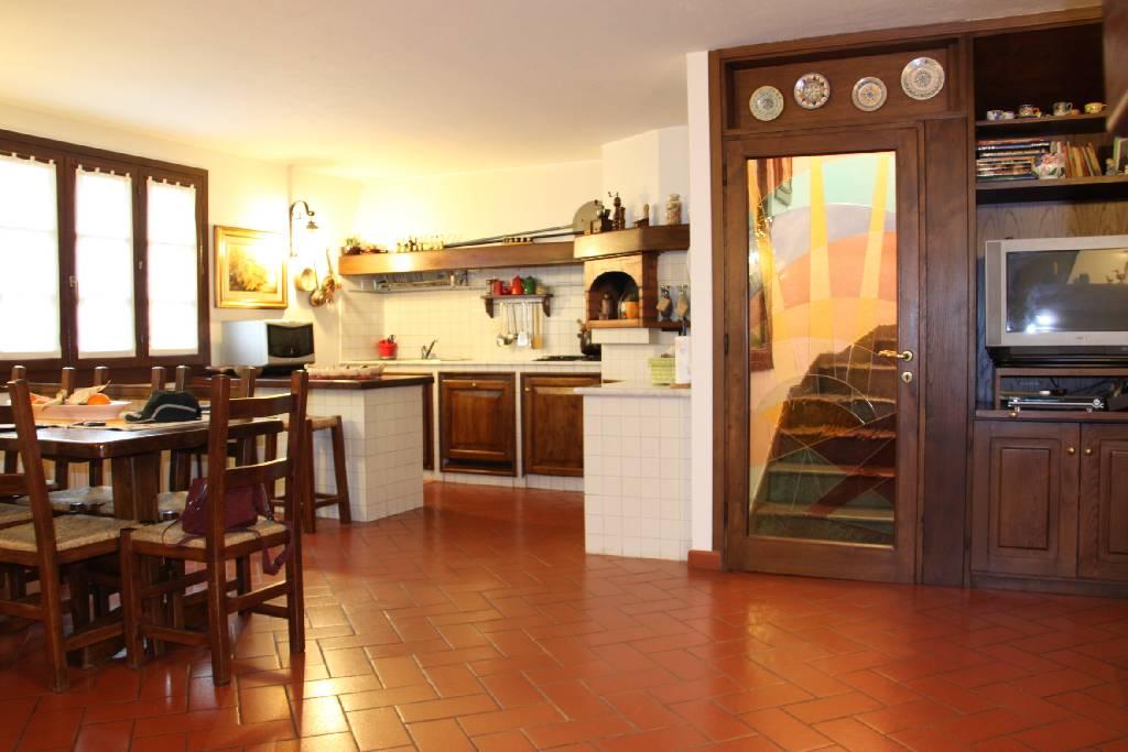 Villetta a schiera in ottime condizioni in vendita Rif. 4768106