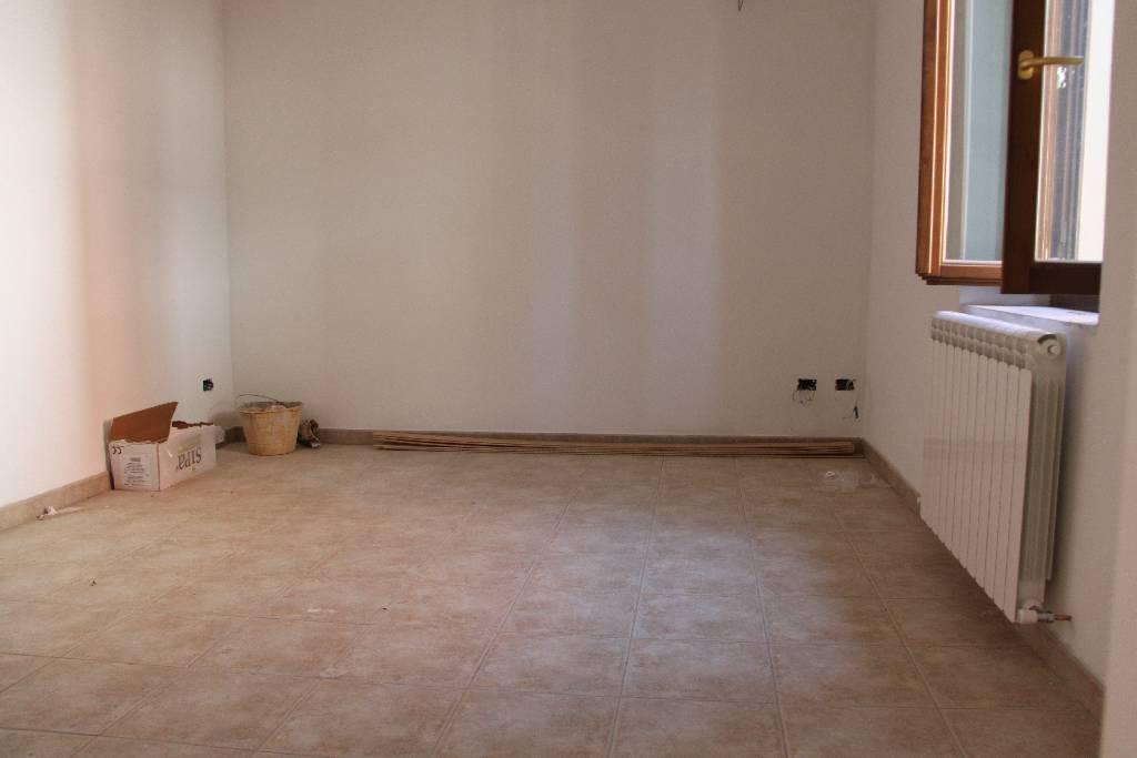 Appartamento in vendita a Pistoia, 3 locali, prezzo € 215.000 | PortaleAgenzieImmobiliari.it