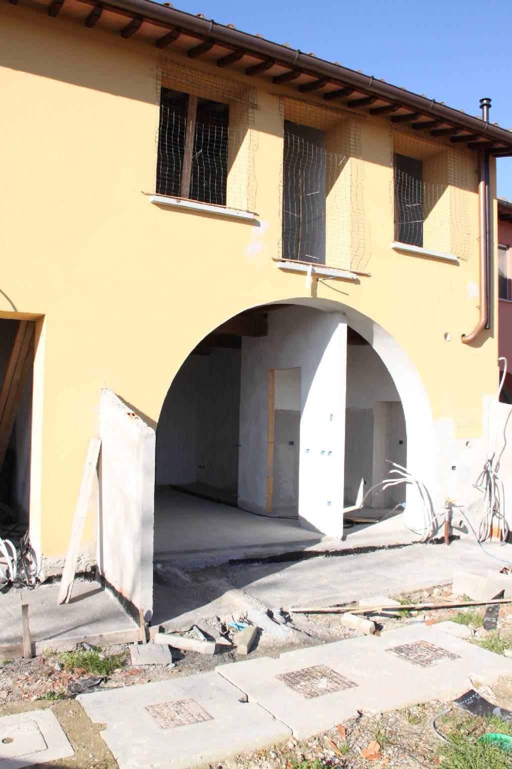 Rustico / Casale in vendita a Prato, 4 locali, zona Località: GALCIANA, prezzo € 290.000 | Cambio Casa.it