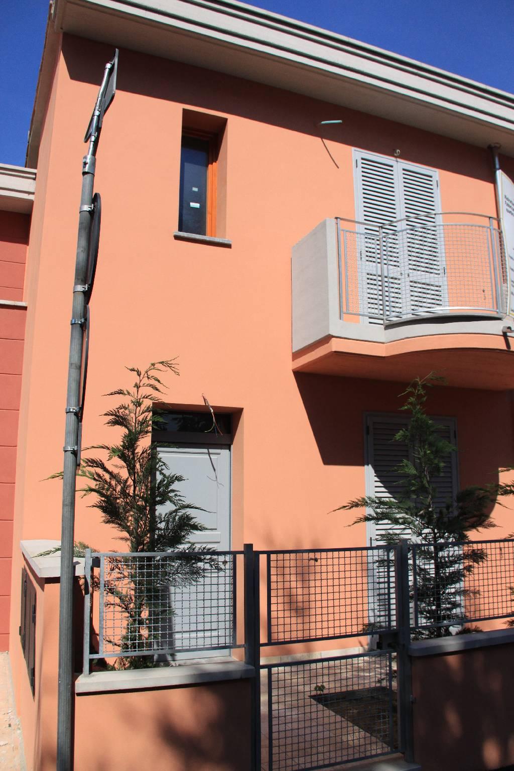 Soluzione Indipendente in vendita a Montale, 6 locali, Trattative riservate | CambioCasa.it