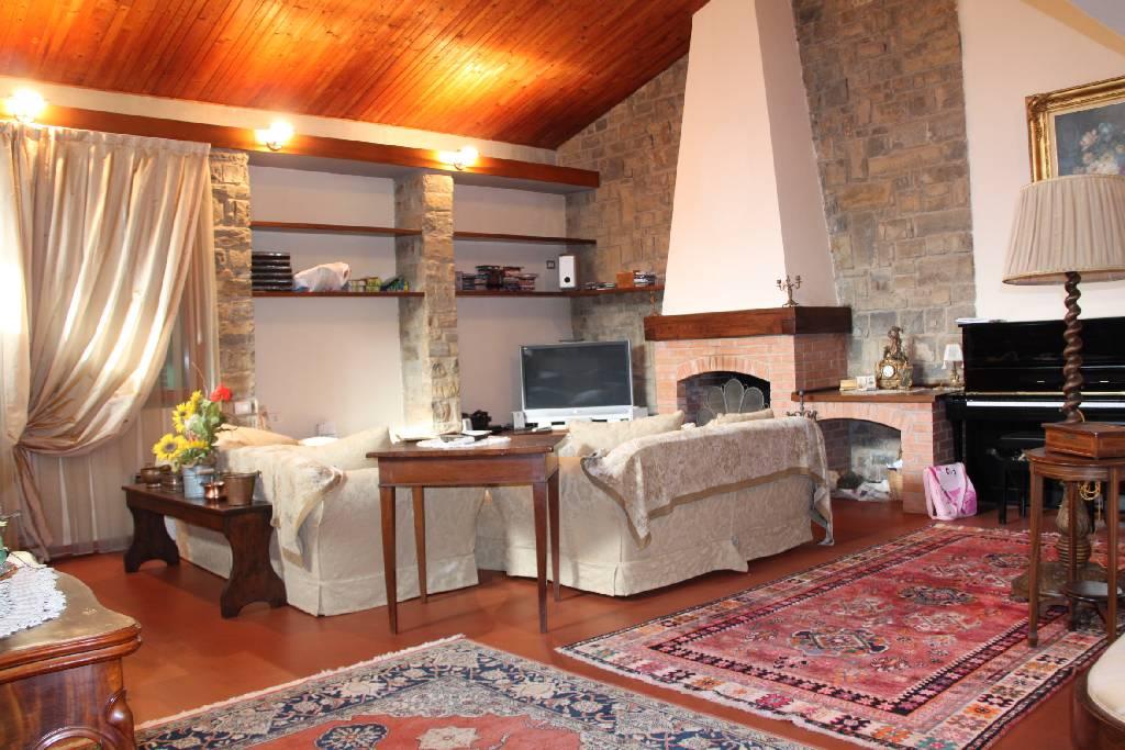 Villa in vendita a Montemurlo, 7 locali, zona Zona: Bagnolo di Sopra, prezzo € 720.000 | Cambio Casa.it