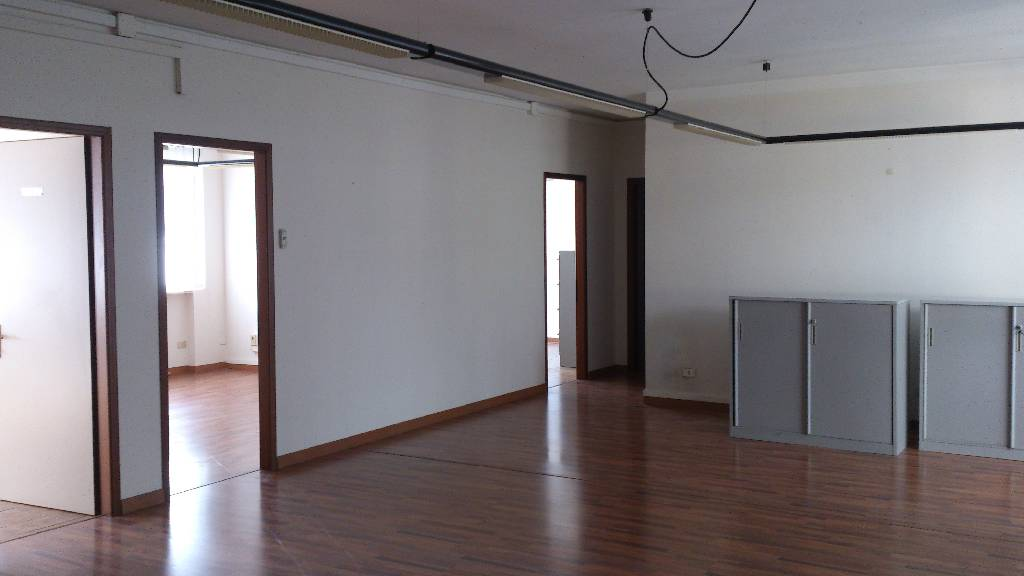 Ufficio in buone condizioni in affitto