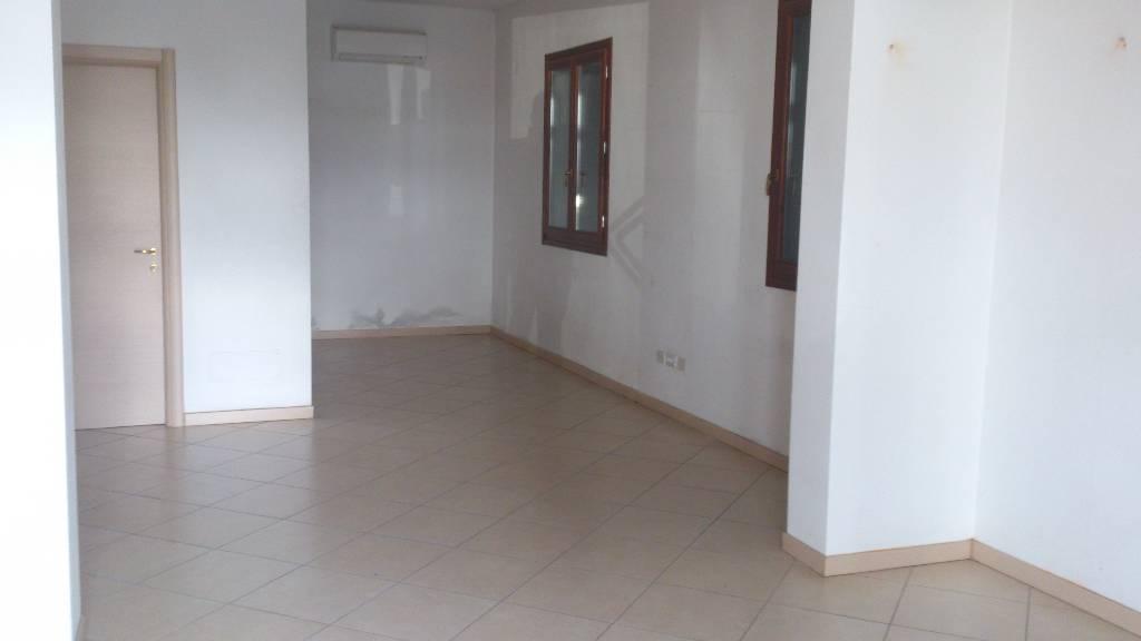 Terreno Commerciale in ottime condizioni in affitto Rif. 4768176