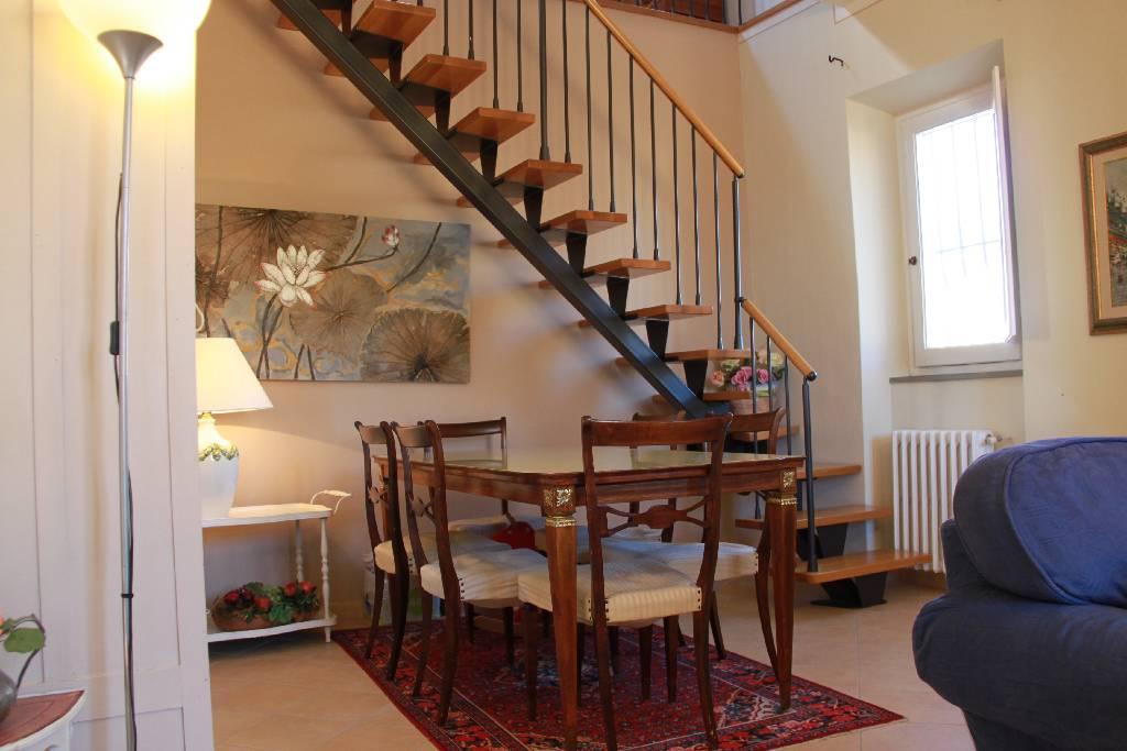 Appartamento in ottime condizioni in vendita Rif. 6870095