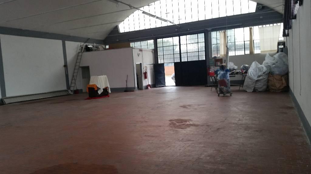 Capannone in affitto a Montemurlo, 9999 locali, zona Zona: Oste, prezzo € 1.400 | Cambio Casa.it