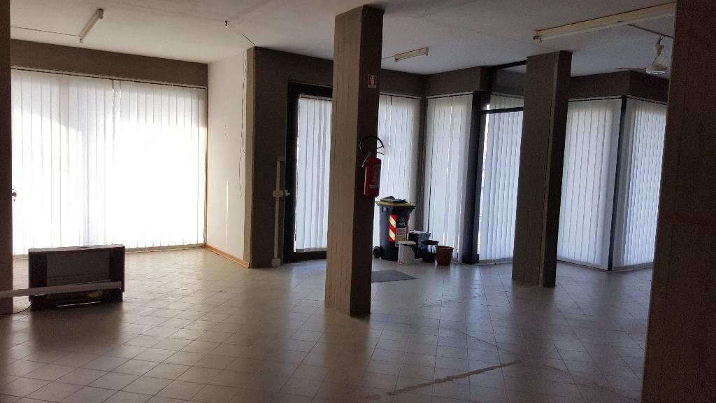 Terreno Commerciale in buone condizioni in affitto Rif. 4768239