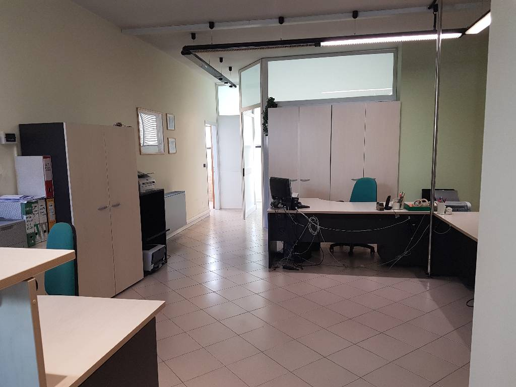 Ufficio in ottime condizioni arredato in affitto