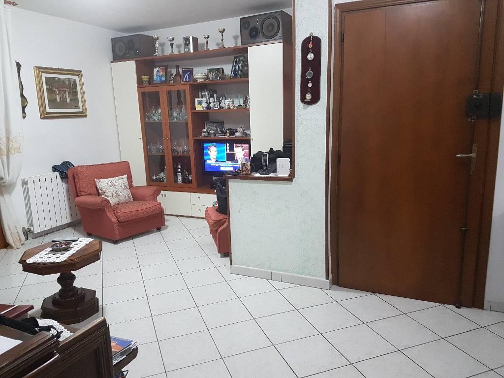 Appartamento in affitto a Montale, 5 locali, zona Località: MONTALE, prezzo € 650 | Cambio Casa.it