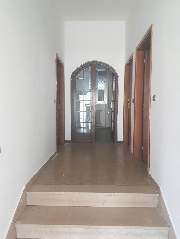 Soluzione Indipendente in affitto a Montale, 5 locali, prezzo € 800 | CambioCasa.it