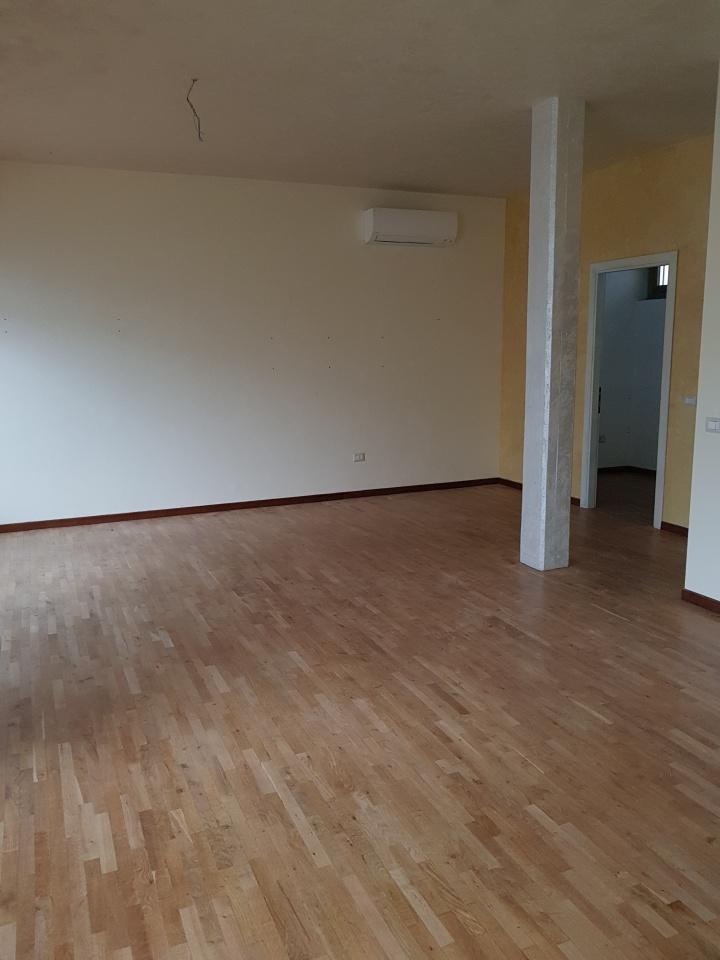 Terreno Commerciale ristrutturato in affitto Rif. 4768284