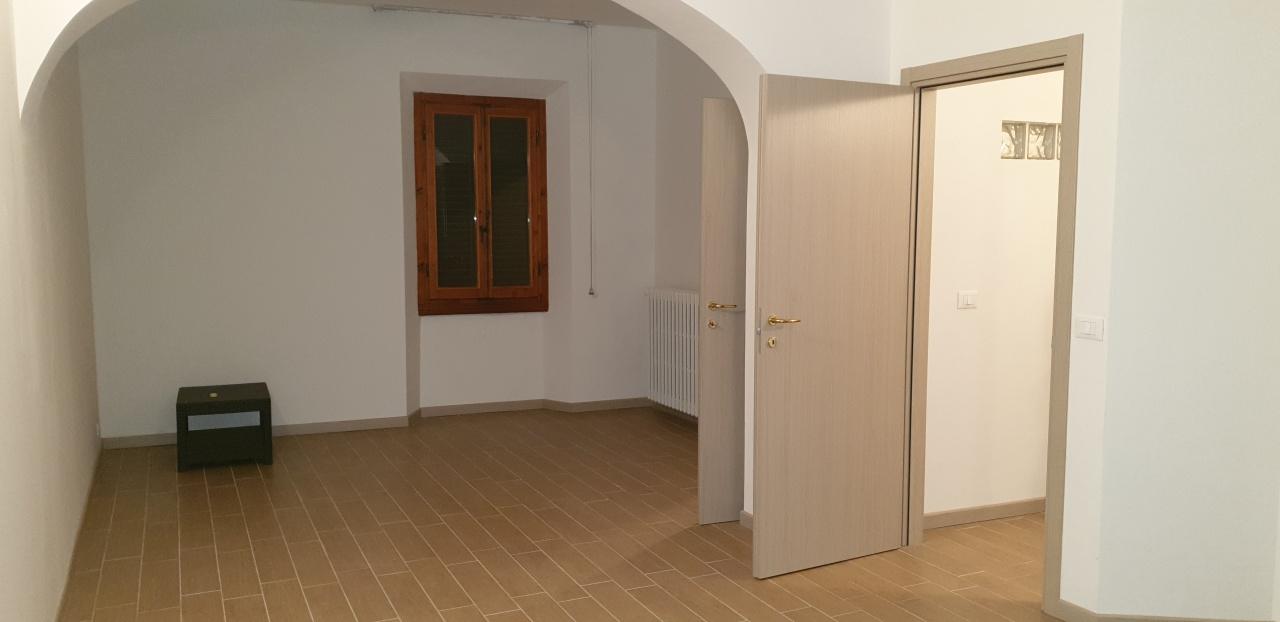 Appartamento ristrutturato in affitto Rif. 9586003