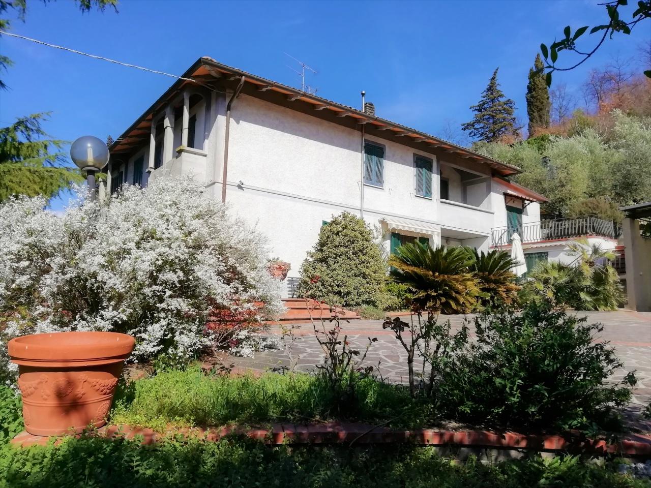 Casa Indipendente in buone condizioni in vendita Rif. 9828378