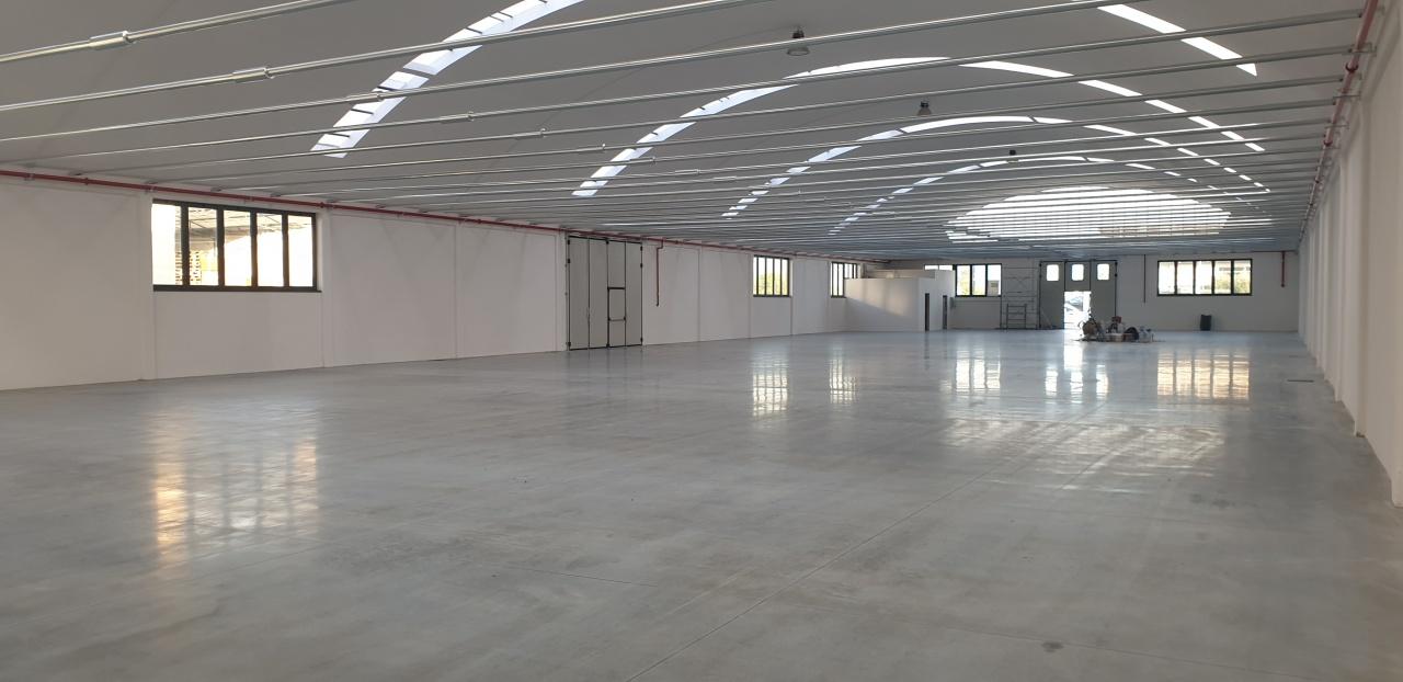 Magazzino - capannone ristrutturato in affitto Rif. 11297842