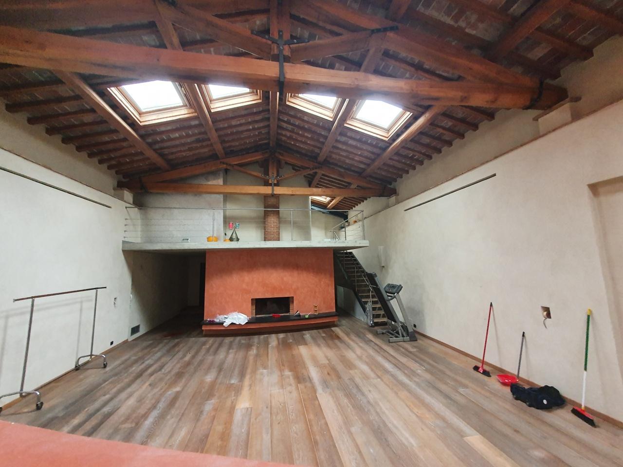 Loft / Openspace in vendita a Prato, 8 locali, prezzo € 650.000 | PortaleAgenzieImmobiliari.it