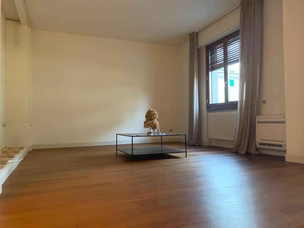 Rif. 24 – Appartamento in Vendita