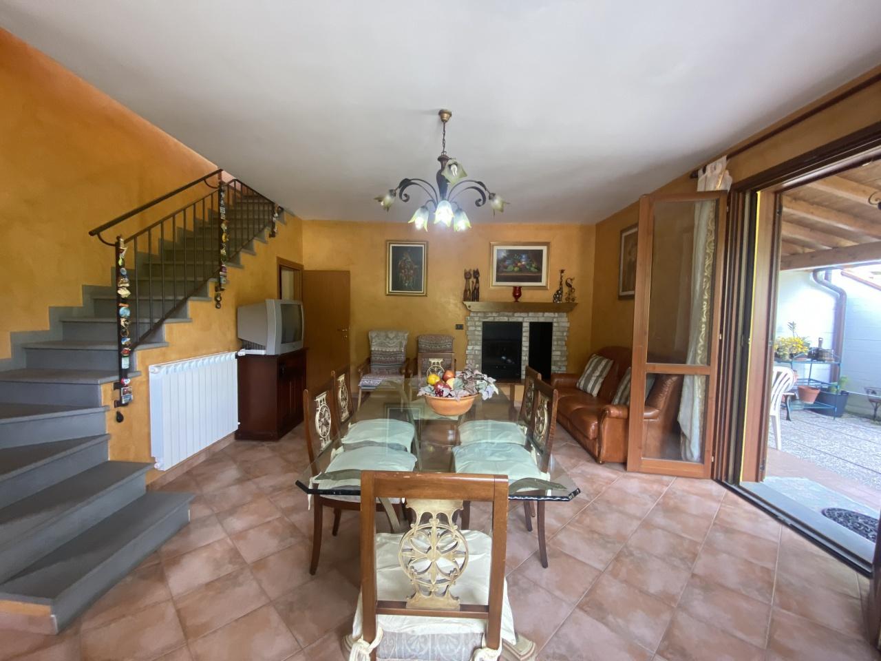 Villa singola VERNIO RIF 74