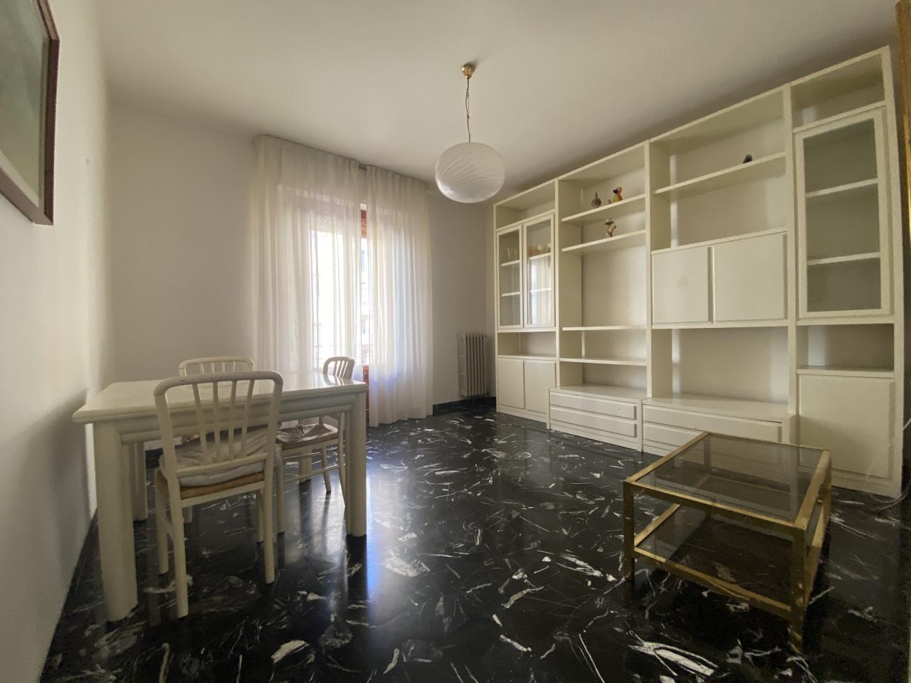 Appartamento in vendita a Prato, 4 locali, prezzo € 186.000   PortaleAgenzieImmobiliari.it