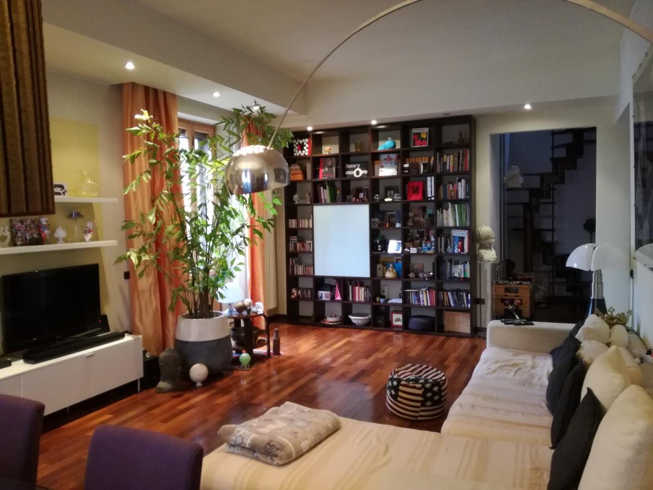 Appartamento in buone condizioni in vendita Rif. 11423771