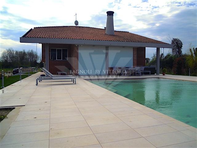 Villa in affitto a Pietrasanta, 8 locali, zona Località: MARINA DI PIETRASANTA, Trattative riservate   Cambio Casa.it